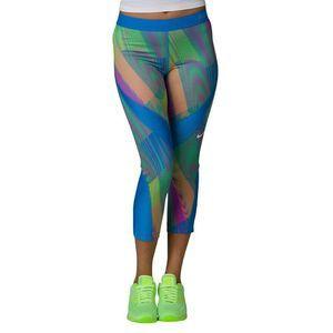 Nike Pro Womens Hypercool  Capri Leggings M